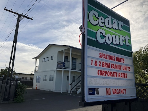 Cedar Court Motel, Napier