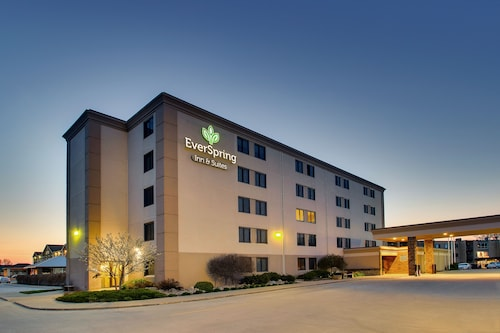 . EverSpring Inn & Suites – Bismarck