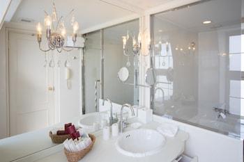 KOBE KITANO HOTEL Bathroom
