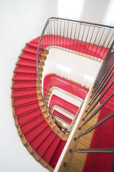 KOBE KITANO HOTEL Staircase