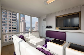 Suite, 1 King Bed (VIP)