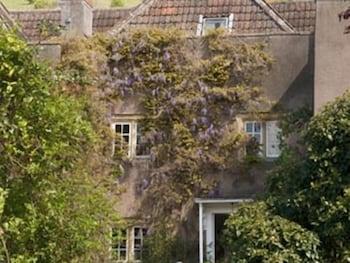 콤튼 하우스 - 게스트 하우스(Compton House - Guest House) Hotel Image 0 - Featured Image