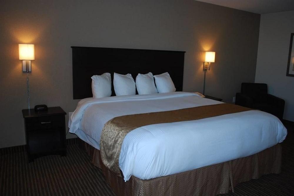 서버번 익스텐디드 스테이 호텔(Quality Inn & Suites Thompson) Hotel Image 3 - Guestroom