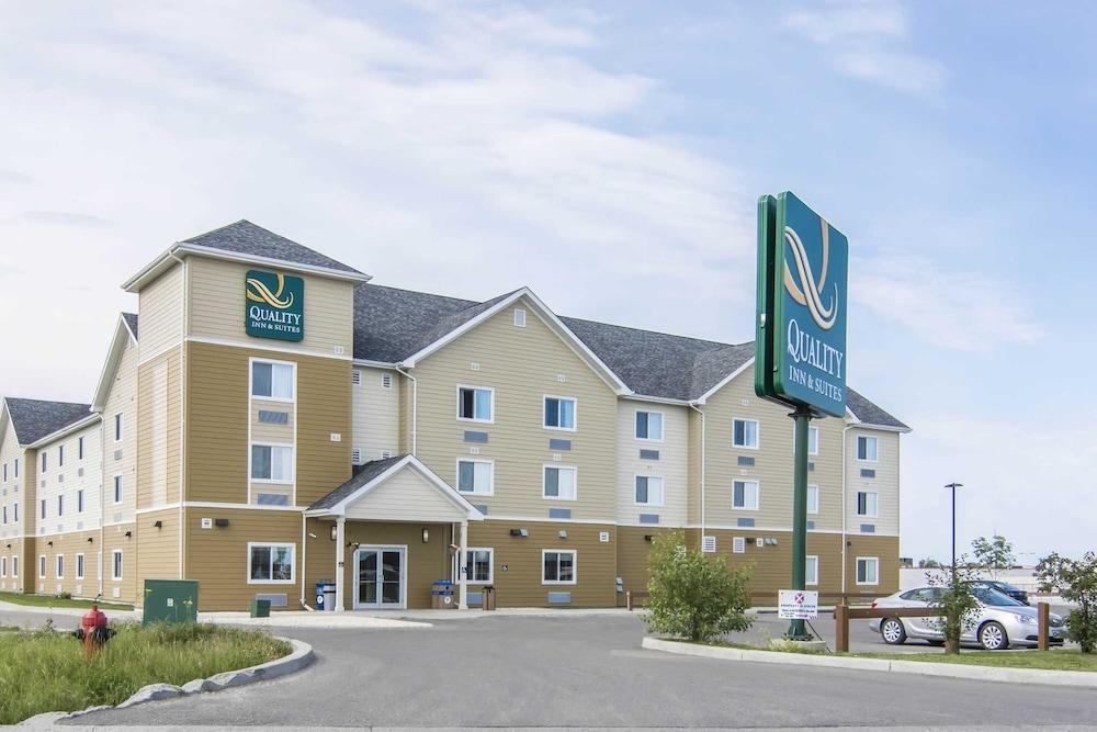 서버번 익스텐디드 스테이 호텔(Quality Inn & Suites Thompson) Hotel Image 0 - Featured Image