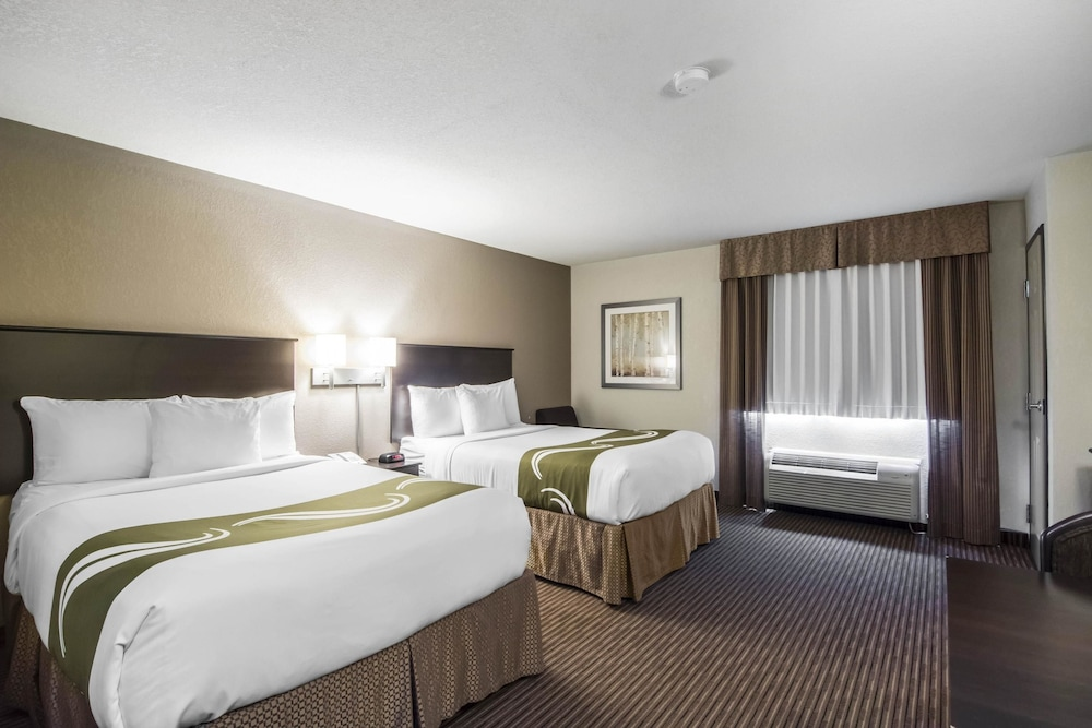 서버번 익스텐디드 스테이 호텔(Quality Inn & Suites Thompson) Hotel Image 9 - Guestroom