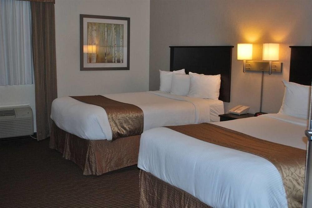 서버번 익스텐디드 스테이 호텔(Quality Inn & Suites Thompson) Hotel Image 4 - Guestroom