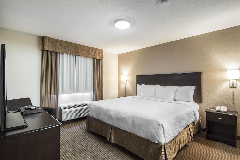 서버번 익스텐디드 스테이 호텔(Quality Inn & Suites Thompson) Hotel Image 18 - Guestroom