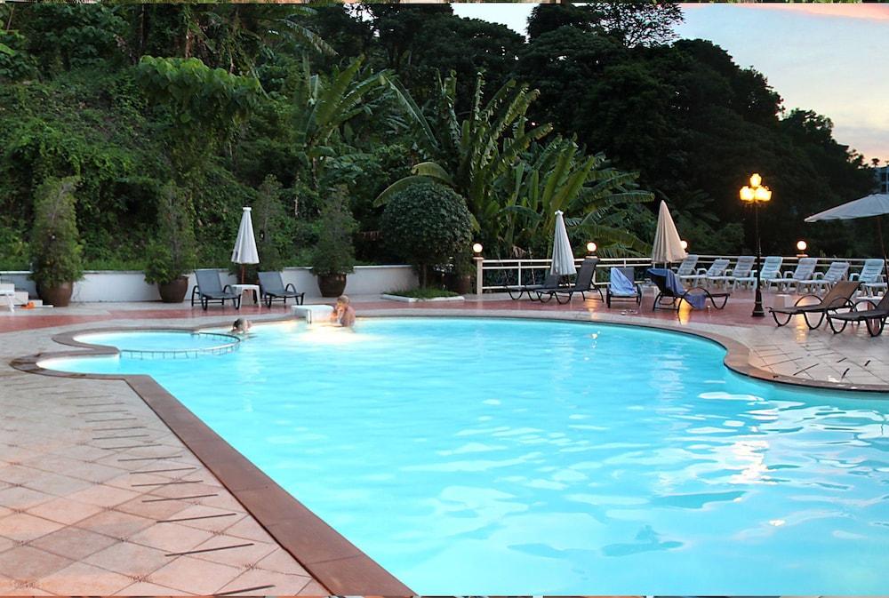 마노라 코지 리조트(Manohra Cozy Resort) Hotel Image 1 - Pool