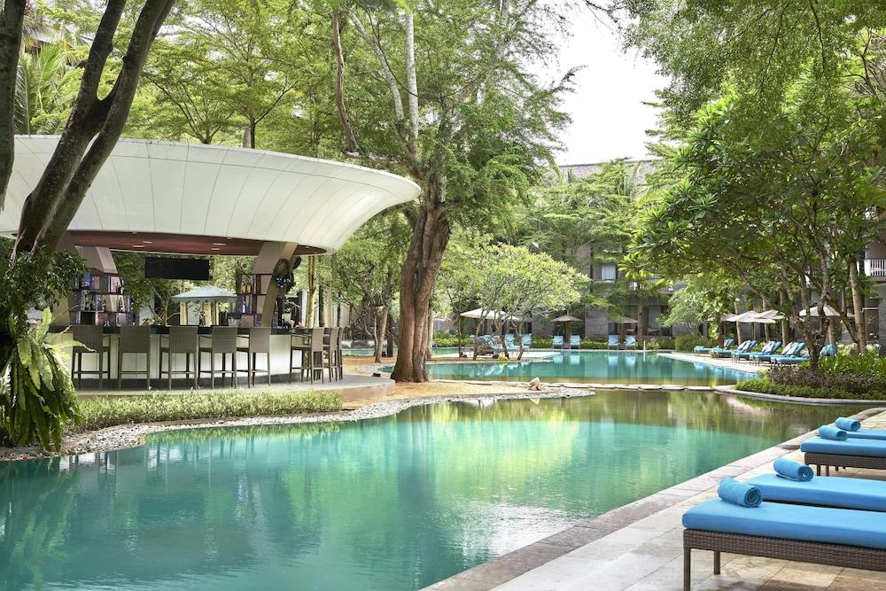 코트야드 바이 메리어트 발리 누사 두아 리조트(Courtyard by Marriott Bali Nusa Dua Resort) Hotel Image 60 - Poolside Bar
