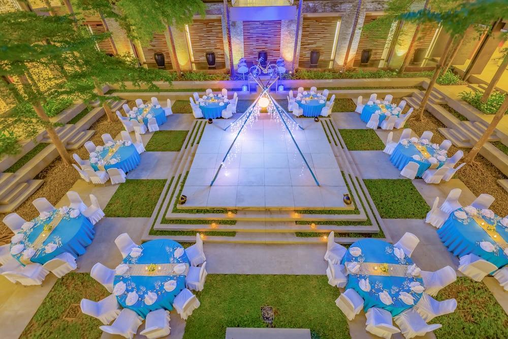 코트야드 바이 메리어트 발리 누사 두아 리조트(Courtyard by Marriott Bali Nusa Dua Resort) Hotel Image 77 - Outdoor Banquet Area