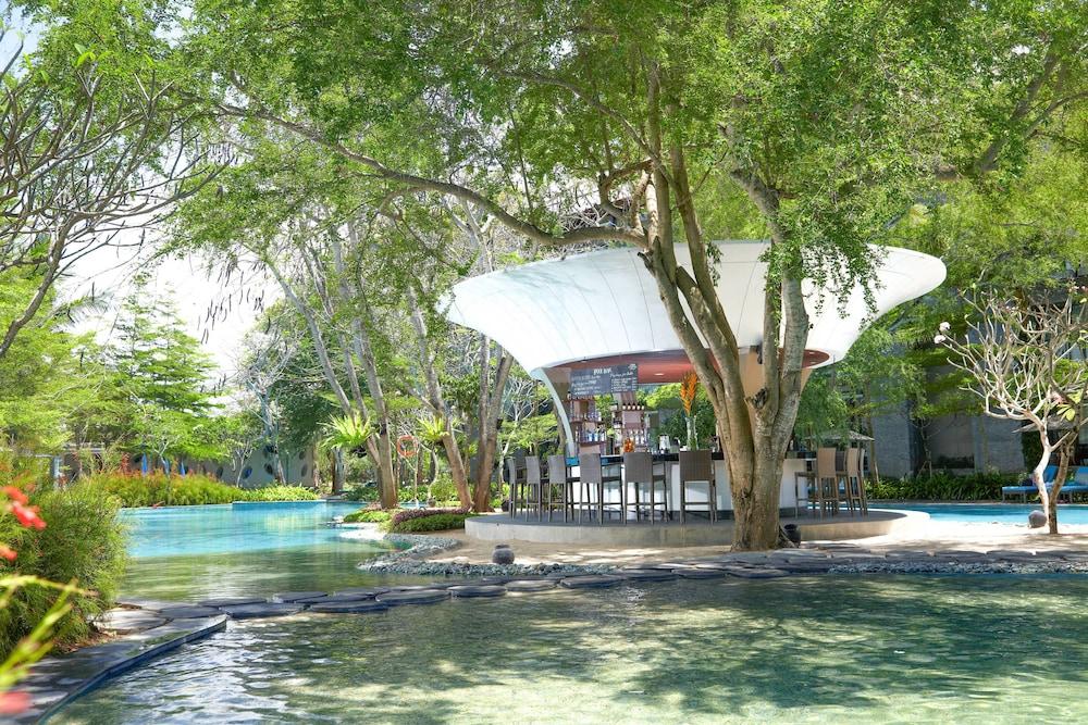 코트야드 바이 메리어트 발리 누사 두아 리조트(Courtyard by Marriott Bali Nusa Dua Resort) Hotel Image 50 - Restaurant