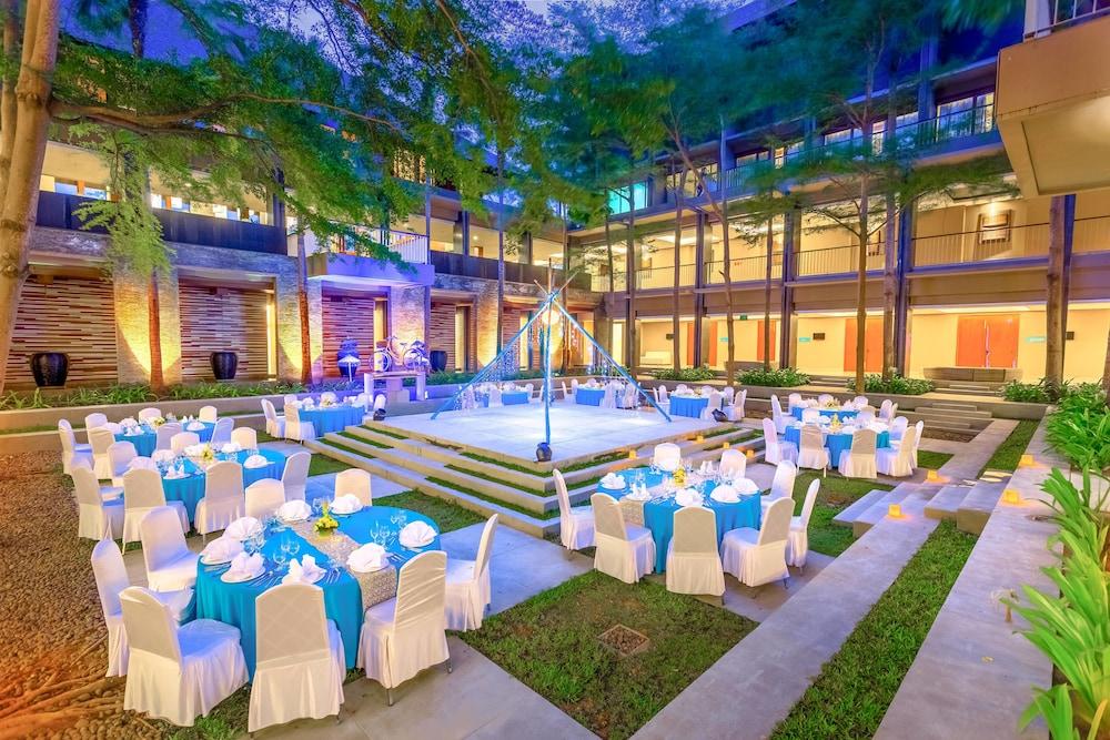 코트야드 바이 메리어트 발리 누사 두아 리조트(Courtyard by Marriott Bali Nusa Dua Resort) Hotel Image 78 - Outdoor Banquet Area