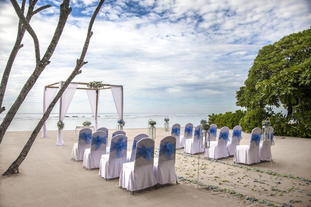코트야드 바이 메리어트 발리 누사 두아 리조트(Courtyard by Marriott Bali Nusa Dua Resort) Hotel Image 72 - Beach
