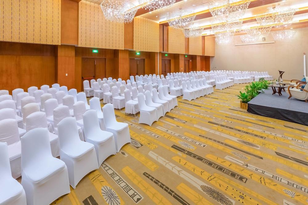 코트야드 바이 메리어트 발리 누사 두아 리조트(Courtyard by Marriott Bali Nusa Dua Resort) Hotel Image 63 - Meeting Facility