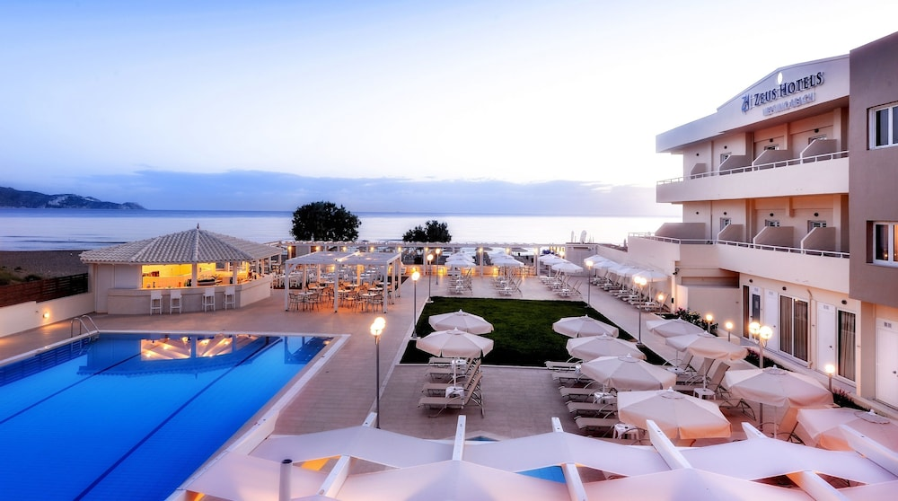 스마트라인 넵투노 비치(smartline Neptuno Beach) Hotel Image 31 - Outdoor Pool