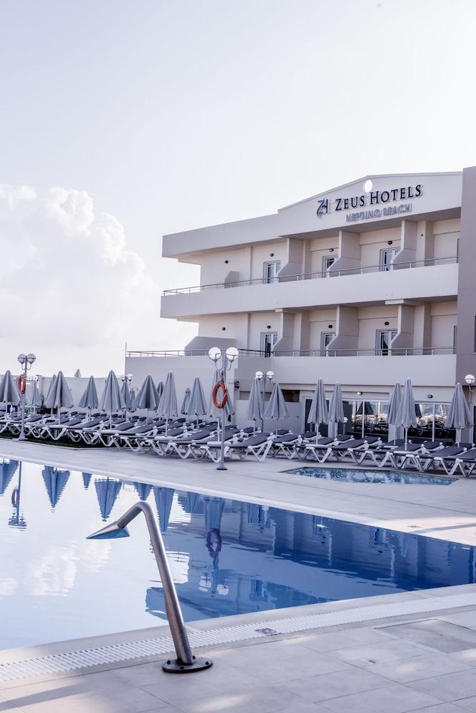 스마트라인 넵투노 비치(smartline Neptuno Beach) Hotel Image 33 - Outdoor Pool