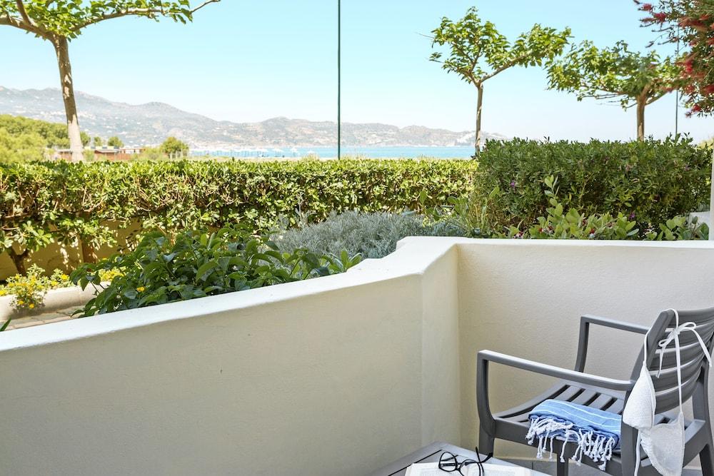 스마트라인 넵투노 비치(smartline Neptuno Beach) Hotel Image 26 - Balcony