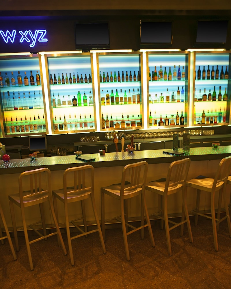 알로프트 뉴욕 브루클린(Aloft New York Brooklyn) Hotel Thumbnail Image 15 - Hotel Bar