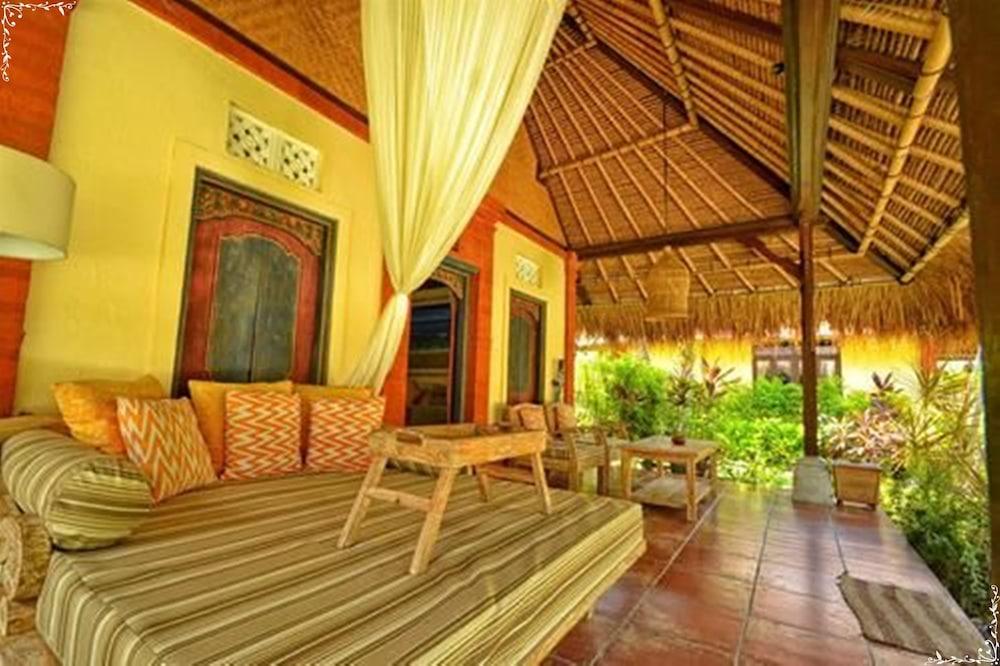 https://i.travelapi.com/hotels/5000000/4210000/4200700/4200679/3a96d430_z.jpg