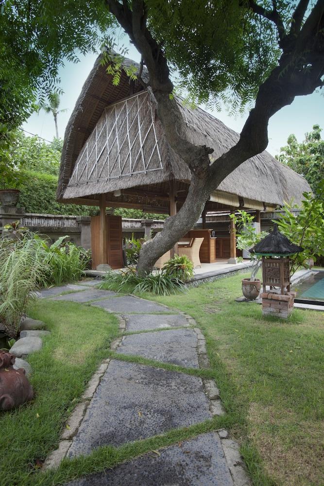https://i.travelapi.com/hotels/5000000/4210000/4200700/4200679/c4e47c84_z.jpg