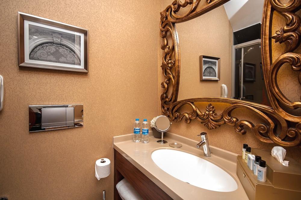 스토리스 호텔 쿰바라치(Stories Hotel Kumbaraci) Hotel Image 35 - Bathroom