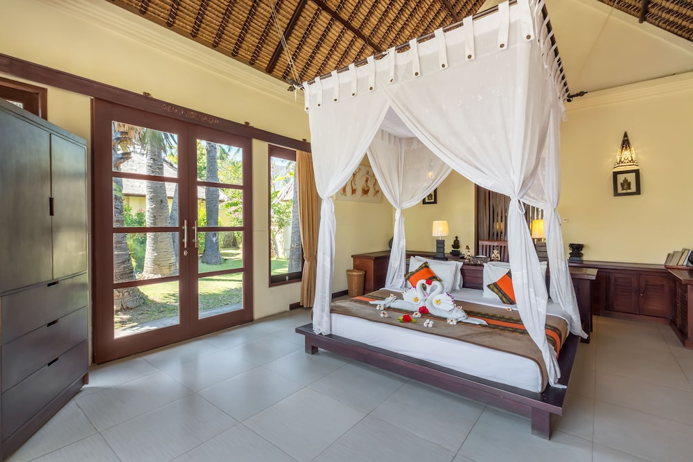 https://i.travelapi.com/hotels/5000000/4210000/4201600/4201538/2cb3beae_z.jpg