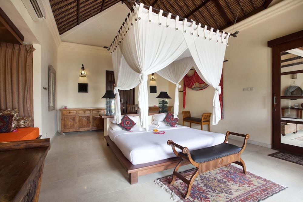 https://i.travelapi.com/hotels/5000000/4210000/4201600/4201538/437df85e_z.jpg