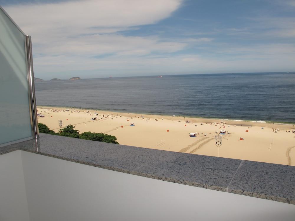 호텔 아틀란티코 프라이아(Hotel Atlantico Praia) Hotel Image 1 - Balcony View