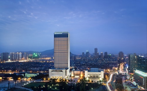 . Intercontinental Wuxi