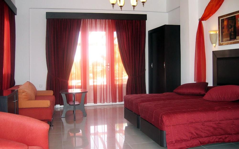 기안노우라키 빌리지 호텔(Giannoulaki Hotel) Hotel Image 16 - Living Area