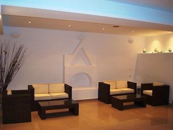 기안노우라키 빌리지 호텔(Giannoulaki Hotel) Hotel Image 1 - Lobby Sitting Area