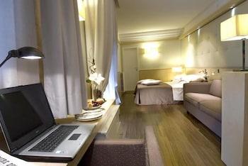 호텔 사르티(Hotel Sarti) Hotel Image 9 - Living Area