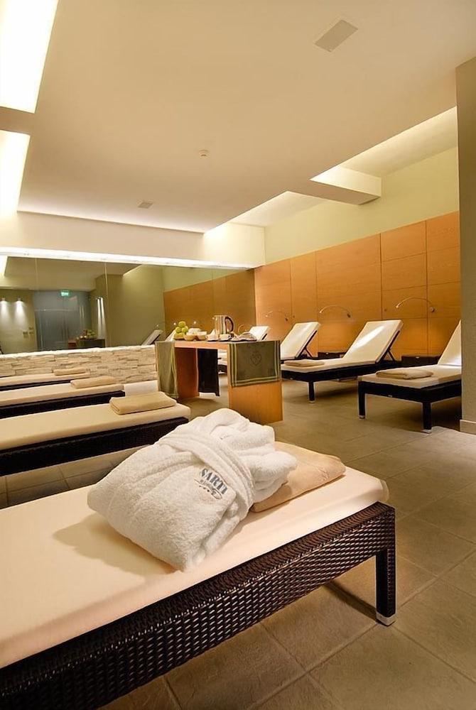 호텔 사르티(Hotel Sarti) Hotel Image 24 - Spa Treatment