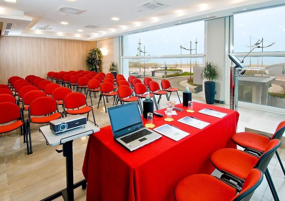 호텔 사르티(Hotel Sarti) Hotel Image 30 - Meeting Facility