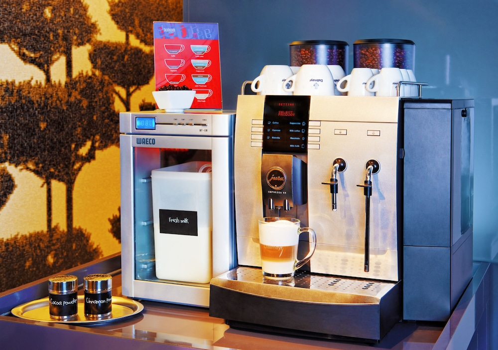 보헴 아트 호텔(Bohem Art Hotel) Hotel Image 30 - Breakfast Area