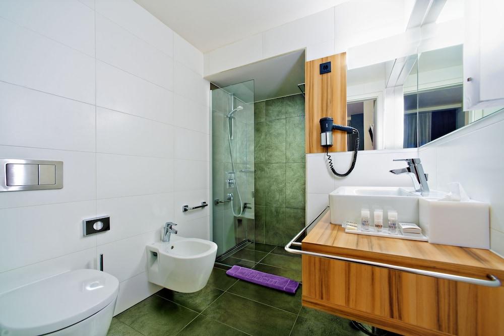 보헴 아트 호텔(Bohem Art Hotel) Hotel Image 27 - Bathroom