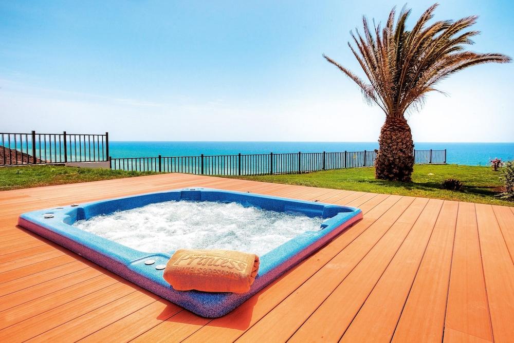 클럽 잔디아 프린세스(Club Jandía Princess) Hotel Image 17 - Outdoor Spa Tub