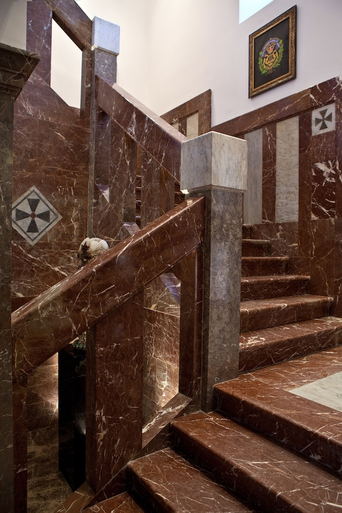 애쉬비 호텔(The Ashbee Hotel) Hotel Image 36 - Staircase