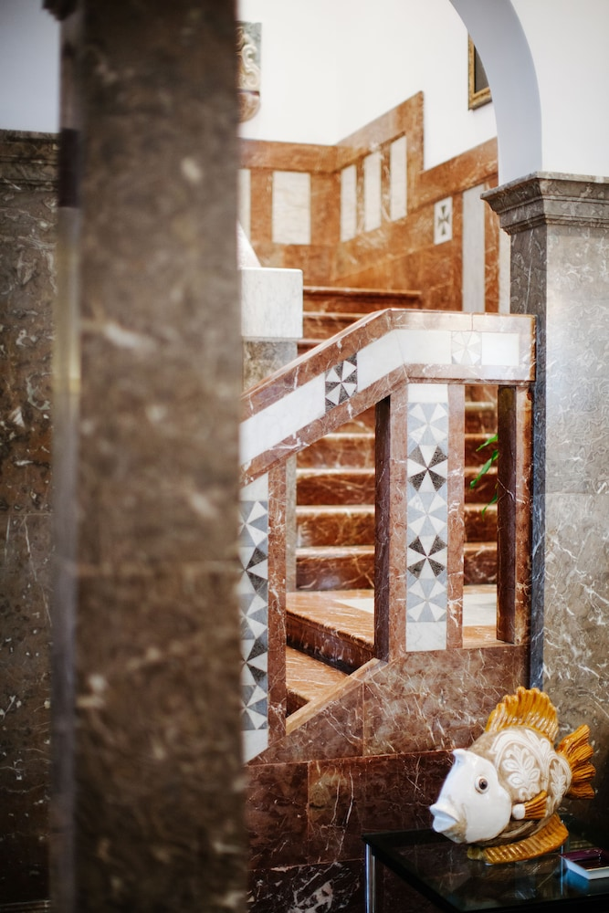 애쉬비 호텔(The Ashbee Hotel) Hotel Image 37 - Staircase
