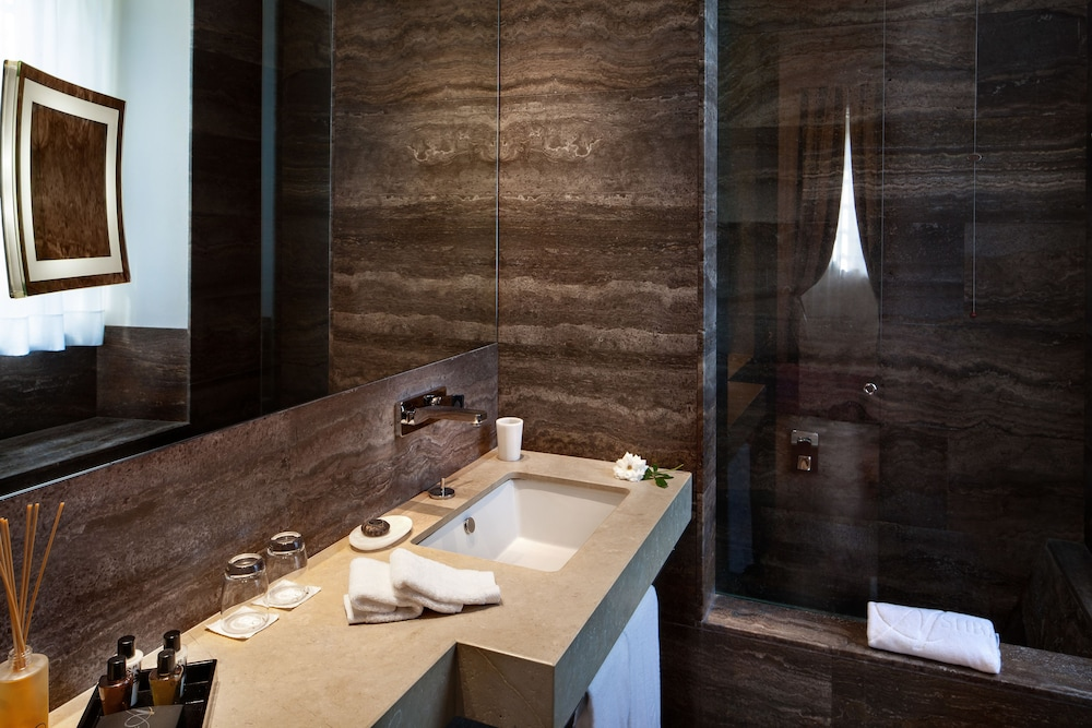 애쉬비 호텔(The Ashbee Hotel) Hotel Image 22 - Bathroom