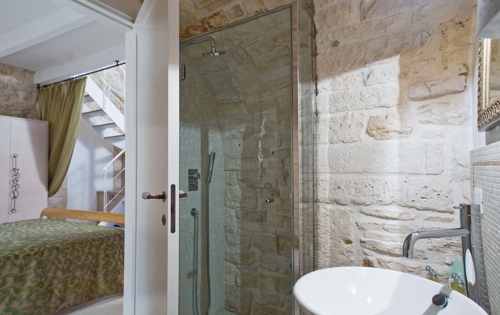 르 알코브 럭셔리 리조트 네이 트룰리(Le Alcove Luxury Resort nei Trulli) Hotel Image 21 - Bathroom