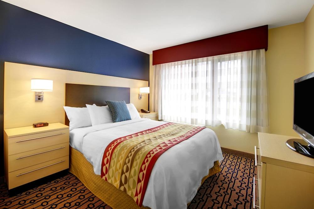 타우네플레이스 스위트 프로비던스 노스 킹스타운(TownePlace Suites Providence North Kingstown) Hotel Image 5 - Guestroom