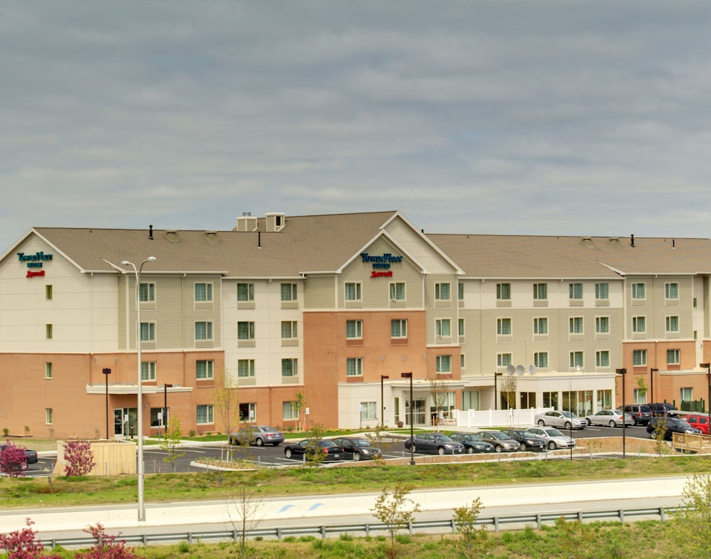 타우네플레이스 스위트 프로비던스 노스 킹스타운(TownePlace Suites Providence North Kingstown) Hotel Image 21 - Hotel Entrance