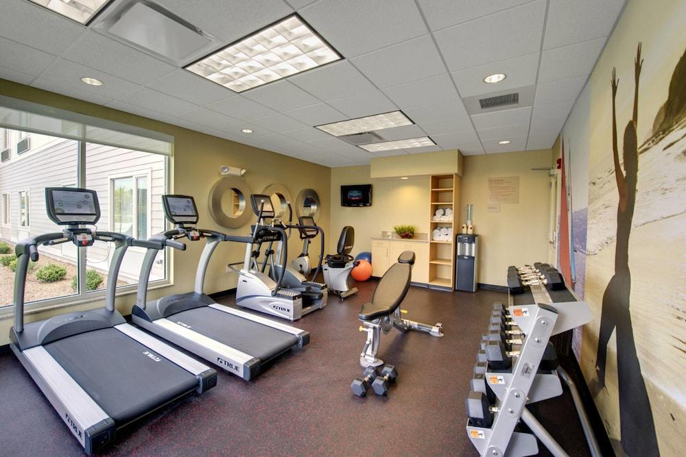 타우네플레이스 스위트 프로비던스 노스 킹스타운(TownePlace Suites Providence North Kingstown) Hotel Image 24 - Sports Facility