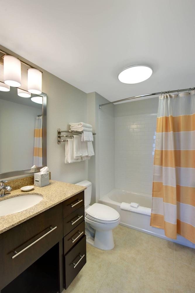 타우네플레이스 스위트 프로비던스 노스 킹스타운(TownePlace Suites Providence North Kingstown) Hotel Image 10 - Guestroom