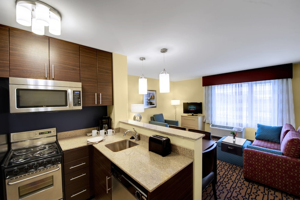 타우네플레이스 스위트 프로비던스 노스 킹스타운(TownePlace Suites Providence North Kingstown) Hotel Image 11 - Guestroom
