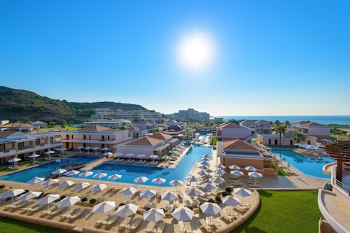 . La Marquise Luxury Resort Complex
