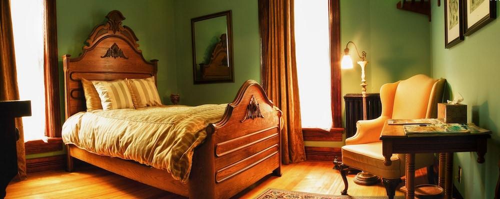 위스키 맨션 인(Whiskey Mansion Inn) Hotel Image 7 - Guestroom