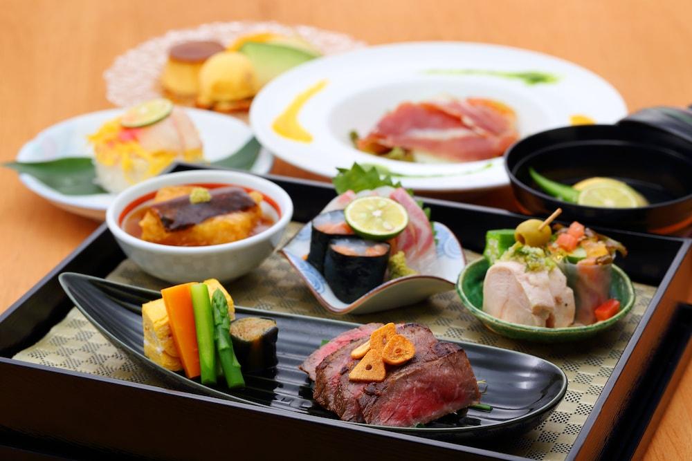 오카야마 뷰 호텔(Okayama View Hotel) Hotel Image 38 - Food and Drink