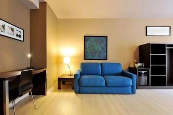 호텔 M14(Hotel M14) Hotel Image 10 - Living Area